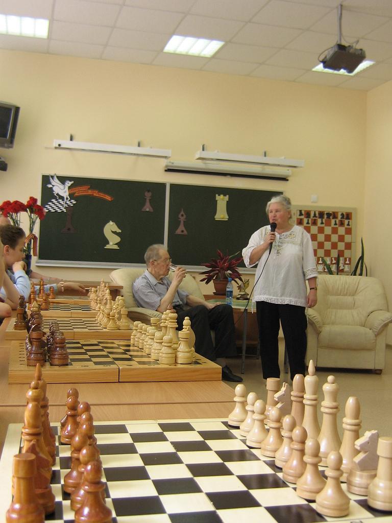 http://www.chess-school2008.narod.ru/Raznoe/Belaveneth-2.jpg